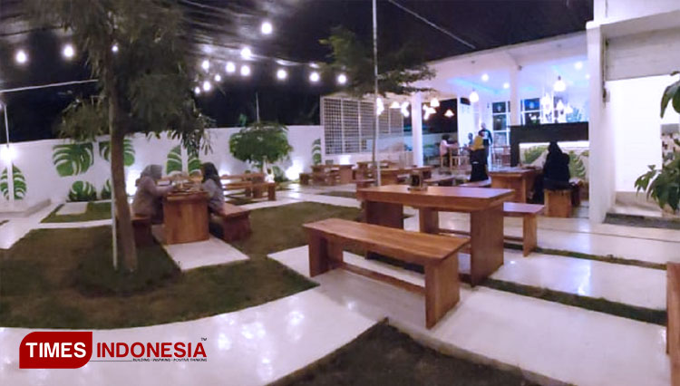 Taste a Healthy Local Traditional Food at Insignia Café & Resto Banyuwangi