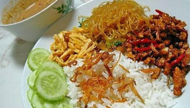 The Story Behind Nasi Uduk, a Typical Betawi Way of Cooking Rice