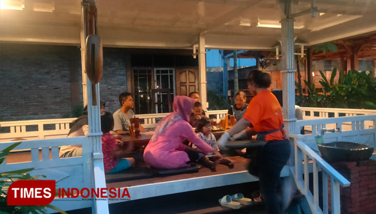 Resto Taman Luku Yogyakarta Supports the Local Community During Covid-19