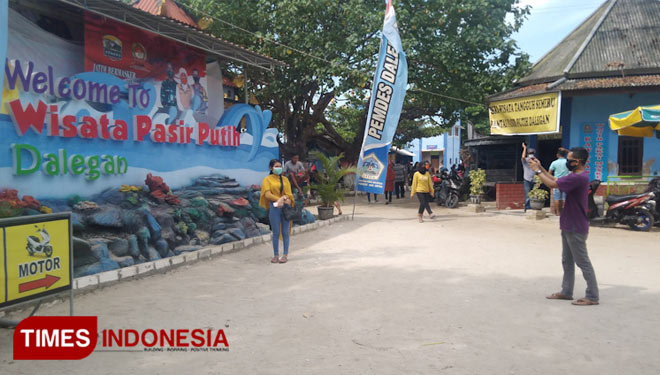 Dalegan Beach Gresik, a Perfect Place to Lift Up Your Trauma for Pandemic