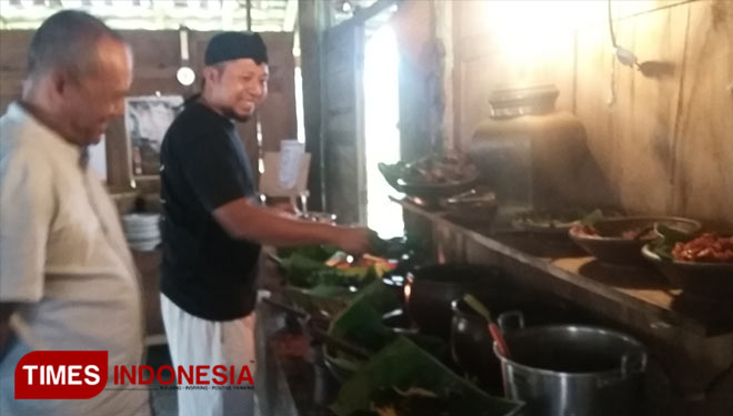 Get Traditional Buffet Style Dinning at Warung Kopi Kebul