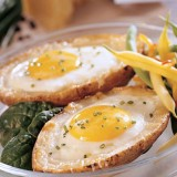 Egg in Baked Potato, Another Simple Dish for Your Breakfast