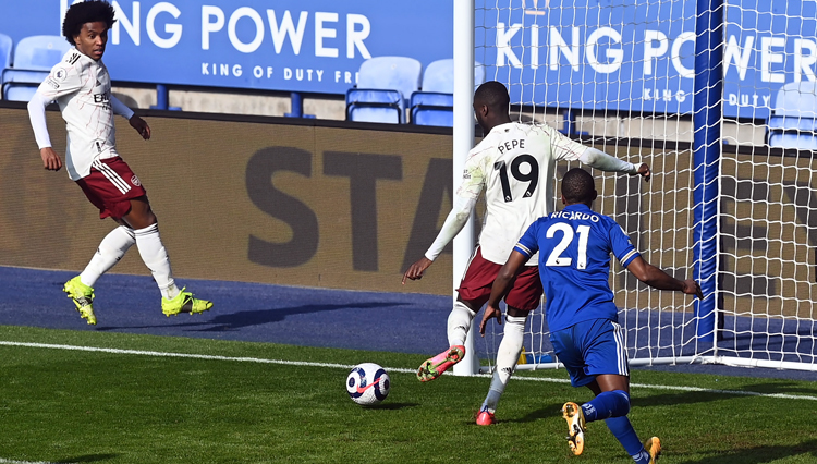 Arsenal Kalahkan Leicester City di Stadion King Power 1-3
