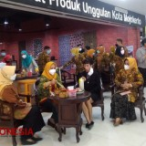 Check This Souvenir Centre of Mojokerto