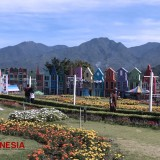 Santerra De Laponte, the Must-Visit Flower Park in Batu