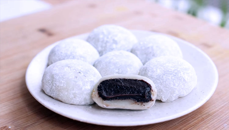 Let's Make the Sweet and Soft Japanese Chocolate Mochi