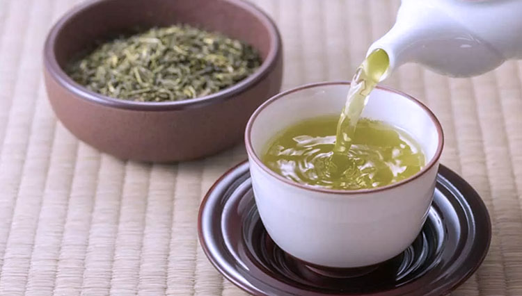 Green Tea Ginger Ale to Boost Your Immune System